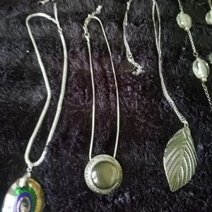 Lovely lot of 8 classic necklaces for everyday!